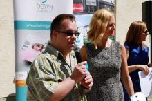 Novák Gyurci is sok sikert kívánt a Down Egyesületnek