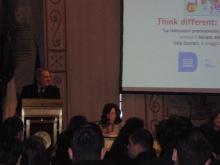 Rómában a kettes számú közjogi méltóság - a Szenátus elnöke köszönti a Think Different - Think Europe projektnek  a Szenátus tanácskozótermében megjelent résztvevőit